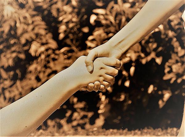 Siempre hay una mano a la que agarrarse